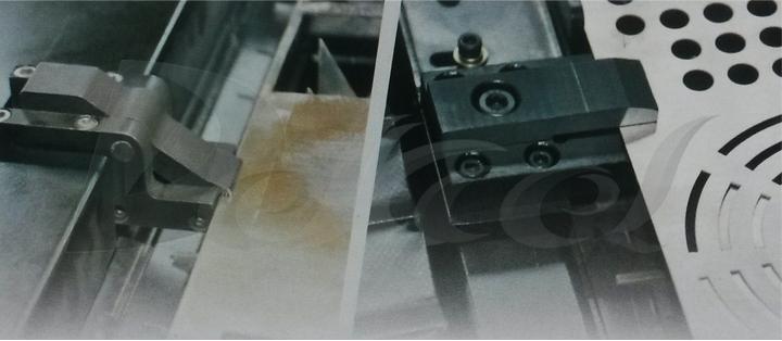 pipe cnc fiber laser cutting machine pneumatic feeding collecting device