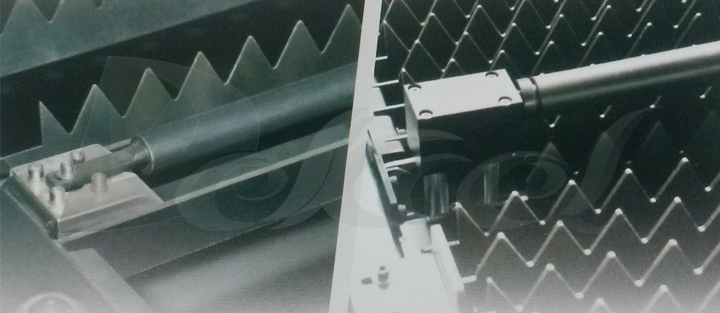 pipe cnc fiber laser cutting machine floating loader and unloader device avoid the scratch
