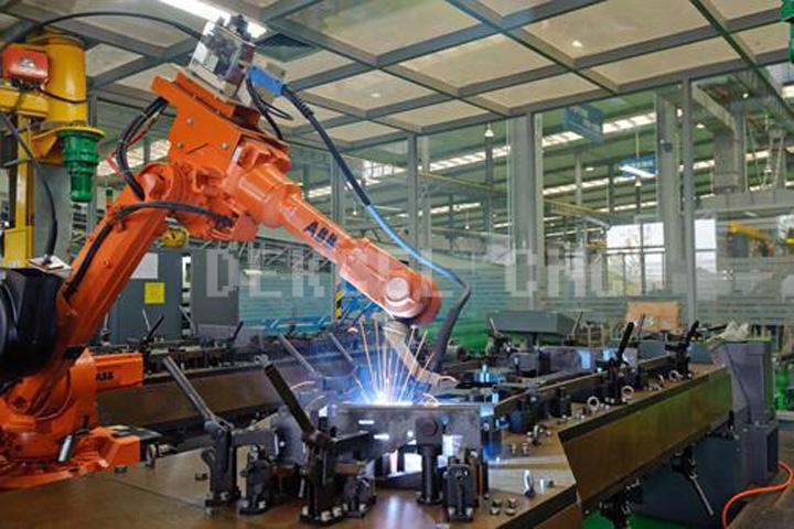 ROBOTER FIBER LASER CUTTING MACHINE