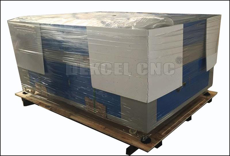 80w 1390 cnc co2 laser cutting machine packaging